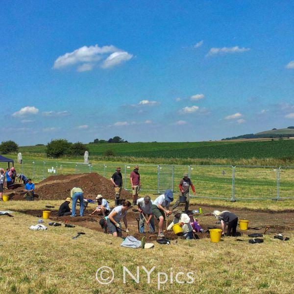 Archaeological Dig West Kennet Avenue, Avebury, 2014