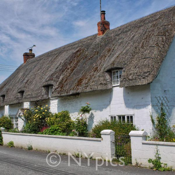 Thatched Cottages, Avebury