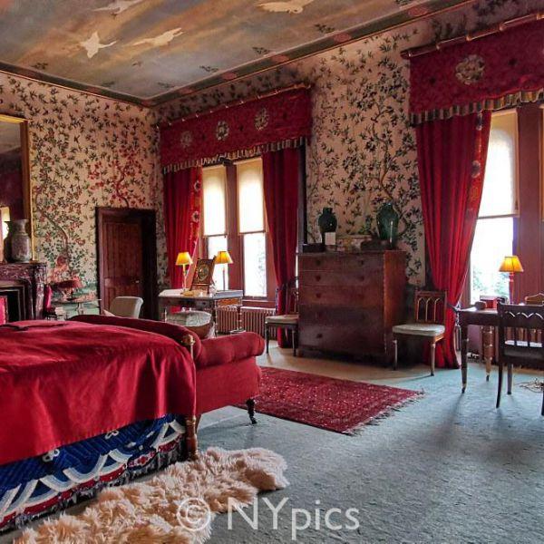 Bedroom, Eastnor Castle
