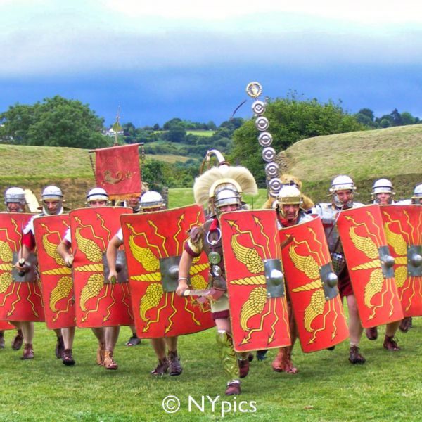Roman Soldiers Advancing Rapidly In V Formation